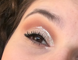 Cut crease with glitter lid